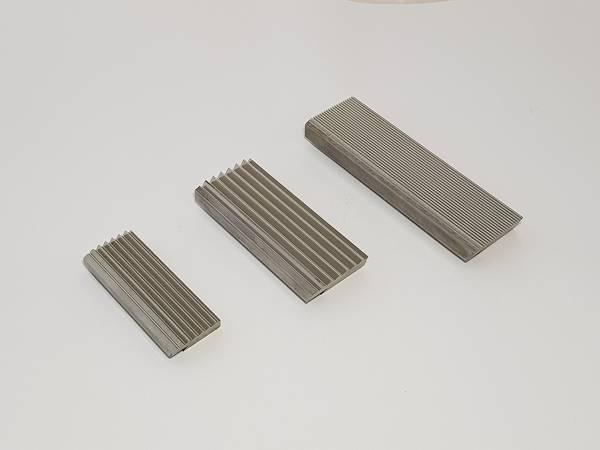 fabricant outil pour tête de taraudage, outil peigne à fileter